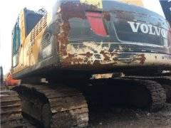 沃尔沃EC240BLC中型二手挖掘机出售